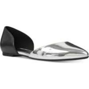 NWT Nine West Starship Silver Two-Piece Flats 7